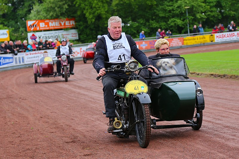 File:33 Internationale Ibbenbuerener Motorrad Veteranen Rallye 2013 07.jpg