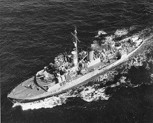 Flower-class corvette - Image: 80 G 289820 HMCS Riviere du Loup (K 357)