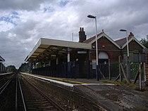 Addlestone railway station.jpg