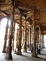 Adhai Din-ka-Jhonpra Arcade (6133960961).jpg