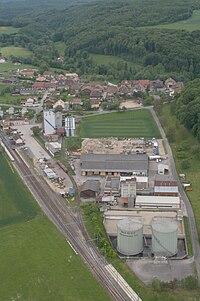 Aerial view of the Croy-Romainmôtier train station, 2008-05-25.jpg