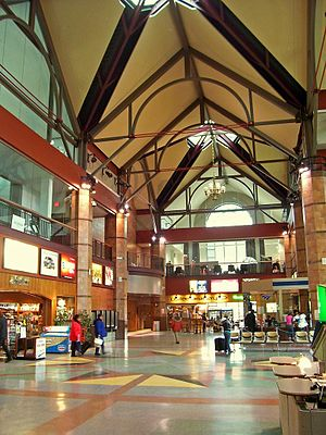Albany–Rensselaer station - Interior of the current station.