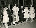 Aldo Moro con la famiglia in udienza da Paolo VI.jpg