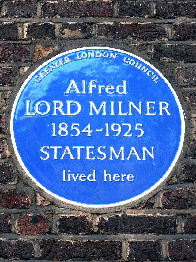 Photo of Alfred Milner blue plaque