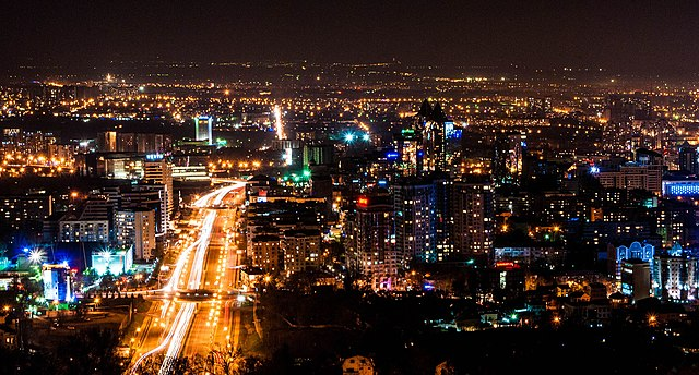 Almaty By Edgarpo01 [CC BY-SA 3.0  (https://creativecommons.org/licenses/by-sa/3.0)], from Wikimedia Commons