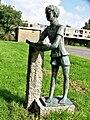 Amstelveen - Lezende jongen van Dick Stins - 01.jpg