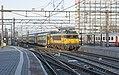 Amsterdam Centraal NSR 1751 met DDM-1 stam 7213 uit Enkhuizen (32020512966).jpg