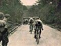 André Leducq futur Champion du monde en ligne 1924 à Paris, devant Blanchonnet, et le suisse Lehner futur vice-champion, dans la côte des 17-Tournants.jpg