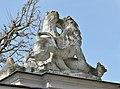 Animal sculpture on Tiergarten wall, Schönbrunn 05.jpg
