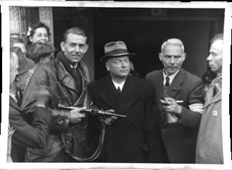 Anton Mussert - Image: Anton Mussert arrested at Korte Vijverberg (street) in The Hague. 1945