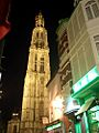 Anvers - Torre catedral de nit.JPG