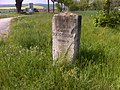 Apolda, Wegweiserstein am Hildebert-Kunze-Weg.jpg