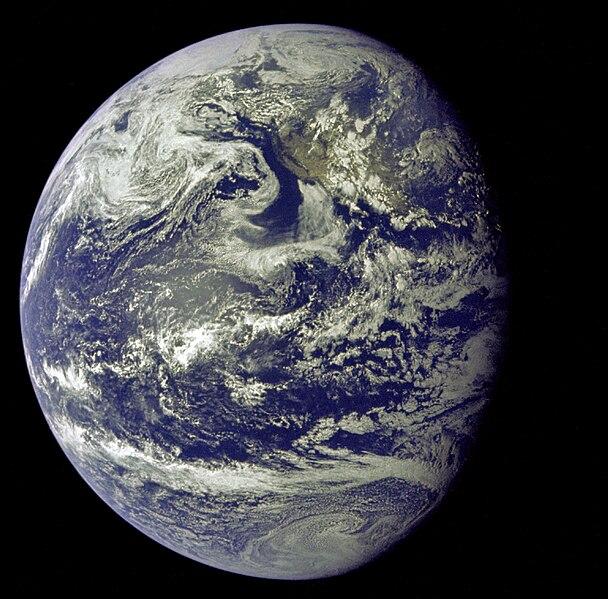 File:Apollo 11 Image of the Earth (AS11-36-5337).jpg