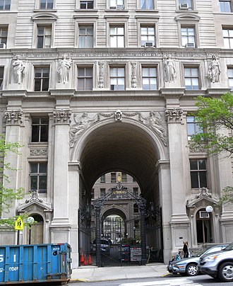 Clinton and Russell - west gate, Apthorp Apartments, built from 1906-1908