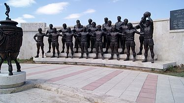 Ararat-73 team sculpture, Yerevan (8).jpg