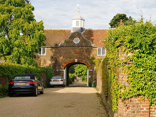 Archway with Dutch gable, Ham House-geograph-2220123-by-Stefan-Czapski