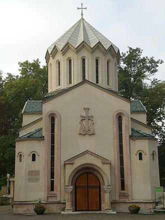 Troinex - Image: Armenian Church Troinex 1