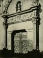 Arthur Byne (1917) Convento de la Imagen de Alcalá de Henares, pórtico de la fachada.png