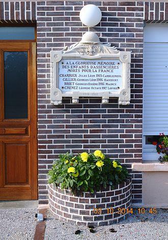 Assencières - Assencières War Memorial