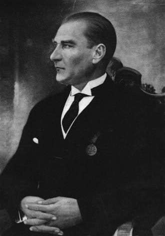 Turkish general election, 1931 - Image: Ataturk mirror
