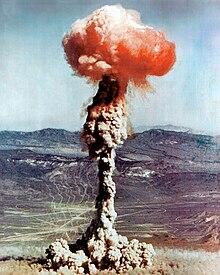 Atomic blast Nevada Yucca 1951.jpg