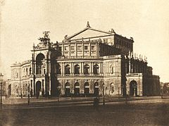 August Kotzsch - Semperoper nach 1880.jpg