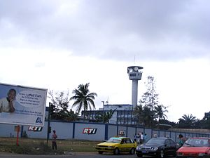 Media of Ivory Coast - RTI tower in Abijdan, 2009