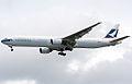 B-HNG B777-367 Cathay Pacific Airways (8264164270).jpg