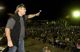 Bad Company performs for the troops DVIDS259845.jpg
