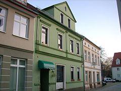 Wohnhaus In Geschlossener Bebauung ...