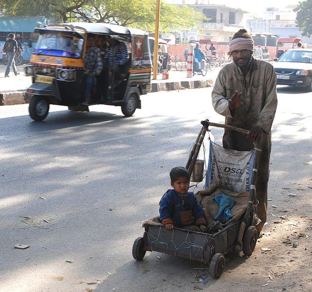 Datei:Beggar India.jpg
