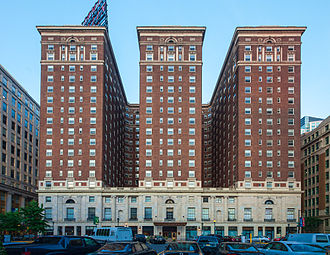 Ben Franklin House - Image: Benjamin Franklin Hotel, west side view