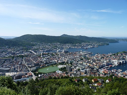 Bergen from the Fløibanen 01