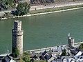 Blick vom Günderodehaus auf den Ochsenturm in Oberwesel (Teil der alten Stadtmauer) - panoramio.jpg