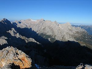 Wetterstein - The Zugspitzplatt and Zugspitze, Jubiläumsgrat, Hochblassen and Alpspitze from the Partenkirchen Dreitorspitze