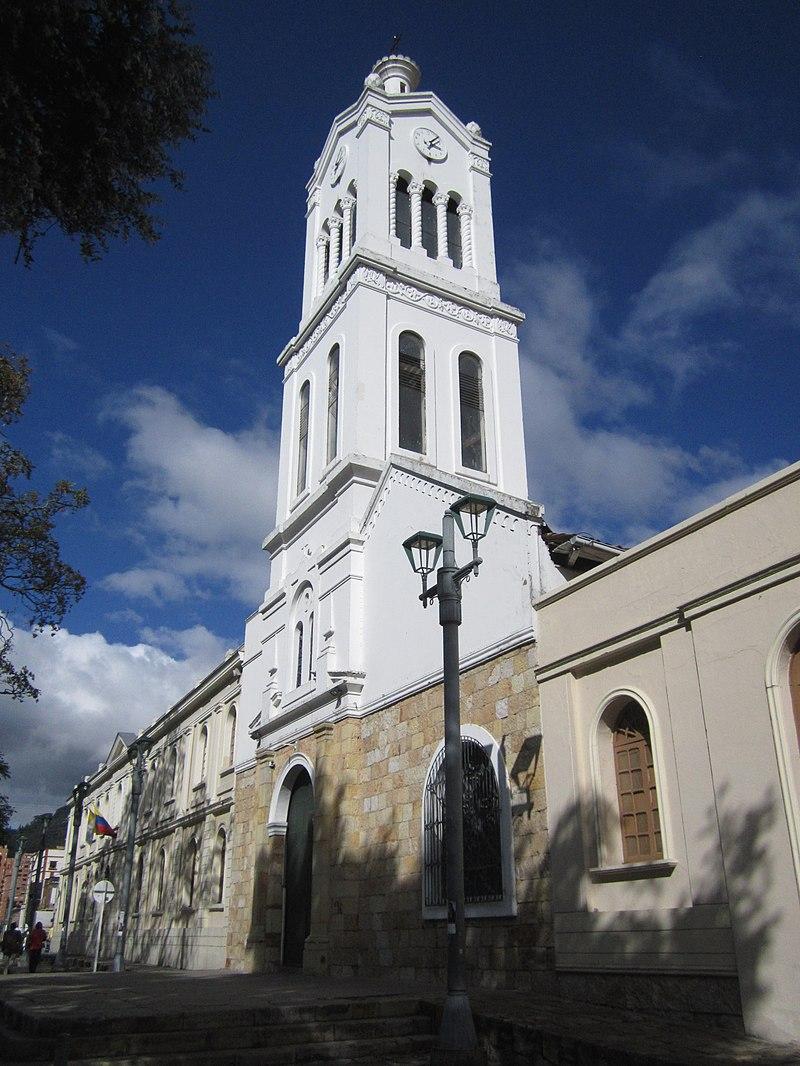 Iglesia de Usaquén, barrio donde hay habitaciones en alquiler para estudiantes