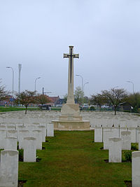 Brandhoek New Military Cemetery war cross 2449672985.jpg