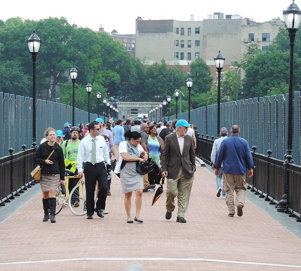 Bronxians arrive Manhattan on Hibridge jeh