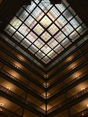 Brown Palace Hotel (Denver, Colorado) - Image: Brown Palace Hotel Atrium Stained Glass Ceiling