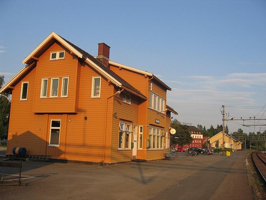 Brumunddal Station