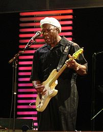 Buddy Guy performing at the Crossroads Guitar ...
