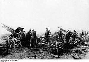 Battle of Guillemont - Image: Bundesarchiv Bild 146 1970 074 44, Frankreich, Tankschlacht bei Cambrai