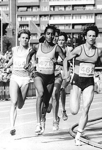 Sigrun Wodars - Image: Bundesarchiv Bild 183 1989 0623 027, Sigrun Wodars, Yvonne Mai, Ellen Kießling