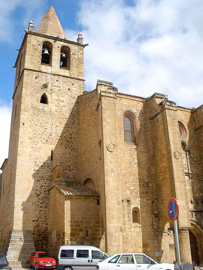 Caceres - Iglesia de Santiago 10.jpg