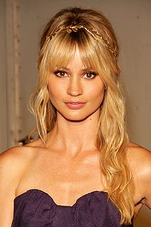 Cameron Richardson 2009.jpg