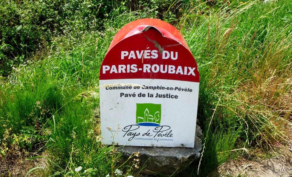 Paris-Roubaix les pavés rue de la Justice  Camphin-en-Pévèle  Nord_(département_français)   Nord-Pas-de-Calais.
