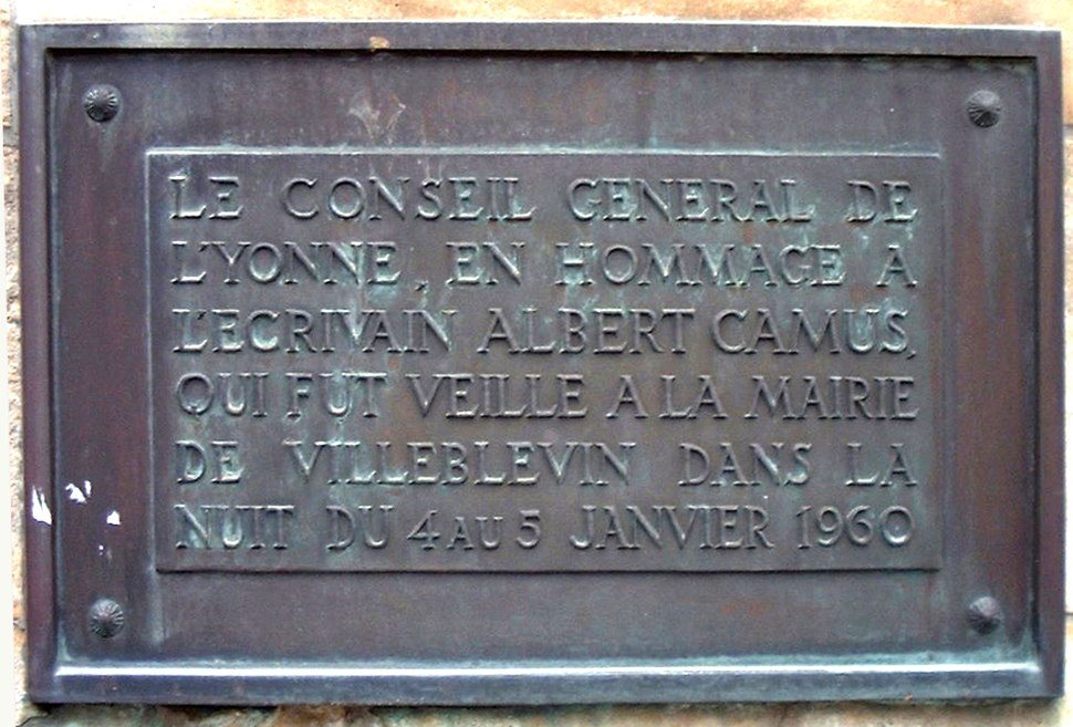 Camus Monument in Villeblevin France 17-august-2003.4