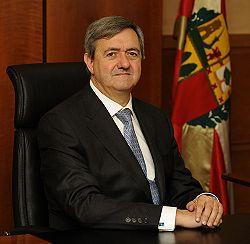 Carlos Agirre politikaria 2009an.jpg