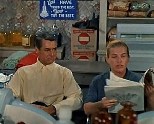 Kathleen Freeman - Cary Grant and Kathleen Freeman  in a typical uncredited role as a laundromat gossip in Houseboat (1958)