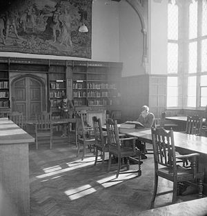 Ampleforth College - Pupils work in the library at Ampleforth in 1943